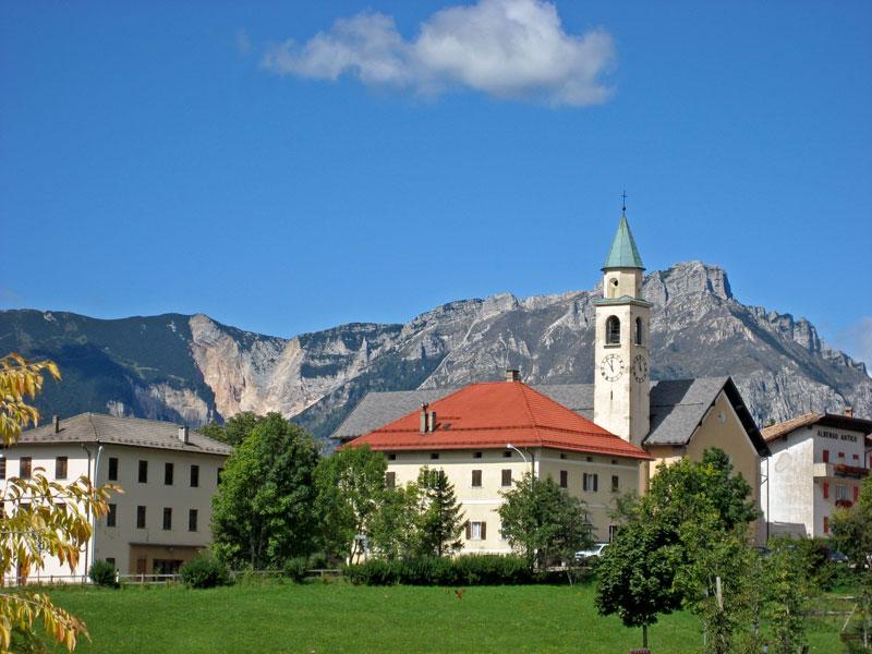 1258634225_D-0359-lavarone-frazione-cappella-chiesa